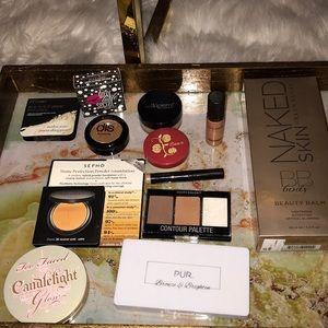 Huge highlight and bronze makeup bundle